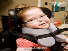 استفاده از سلولهای بنیادی خون بند ناف دردرمان فلج مغزی کودکان